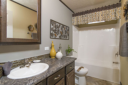 PVH3276-32 Bathroom-537